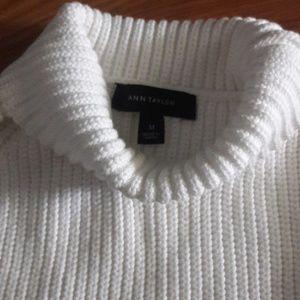 Ann Taylor Tops - Ann Taylor white chunky knit sleeveless